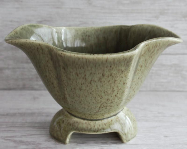 Red Wing Vintage Pottery -  the design shoals