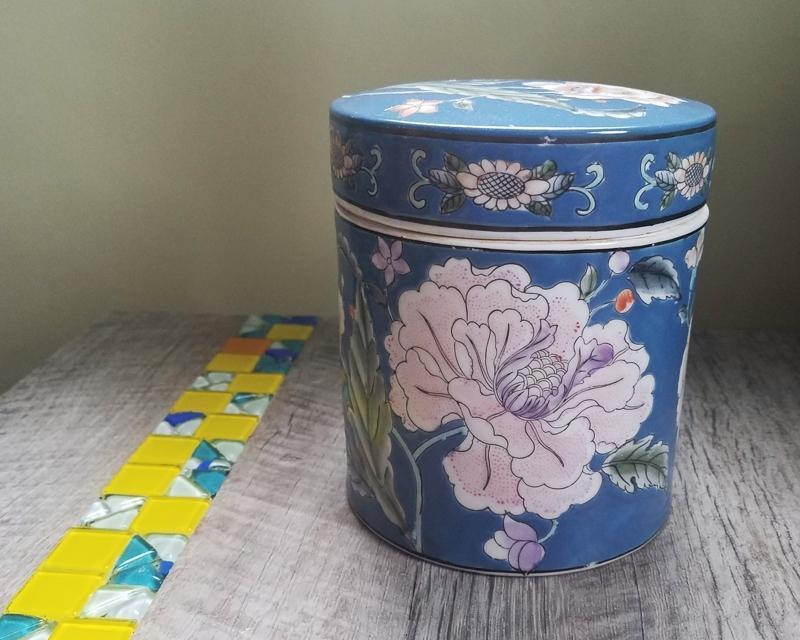 Ceramic Canister -  the design shoals