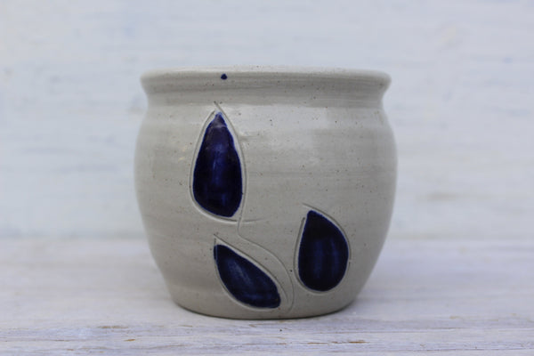 Williamsburg Pottery Votive -  the design shoals