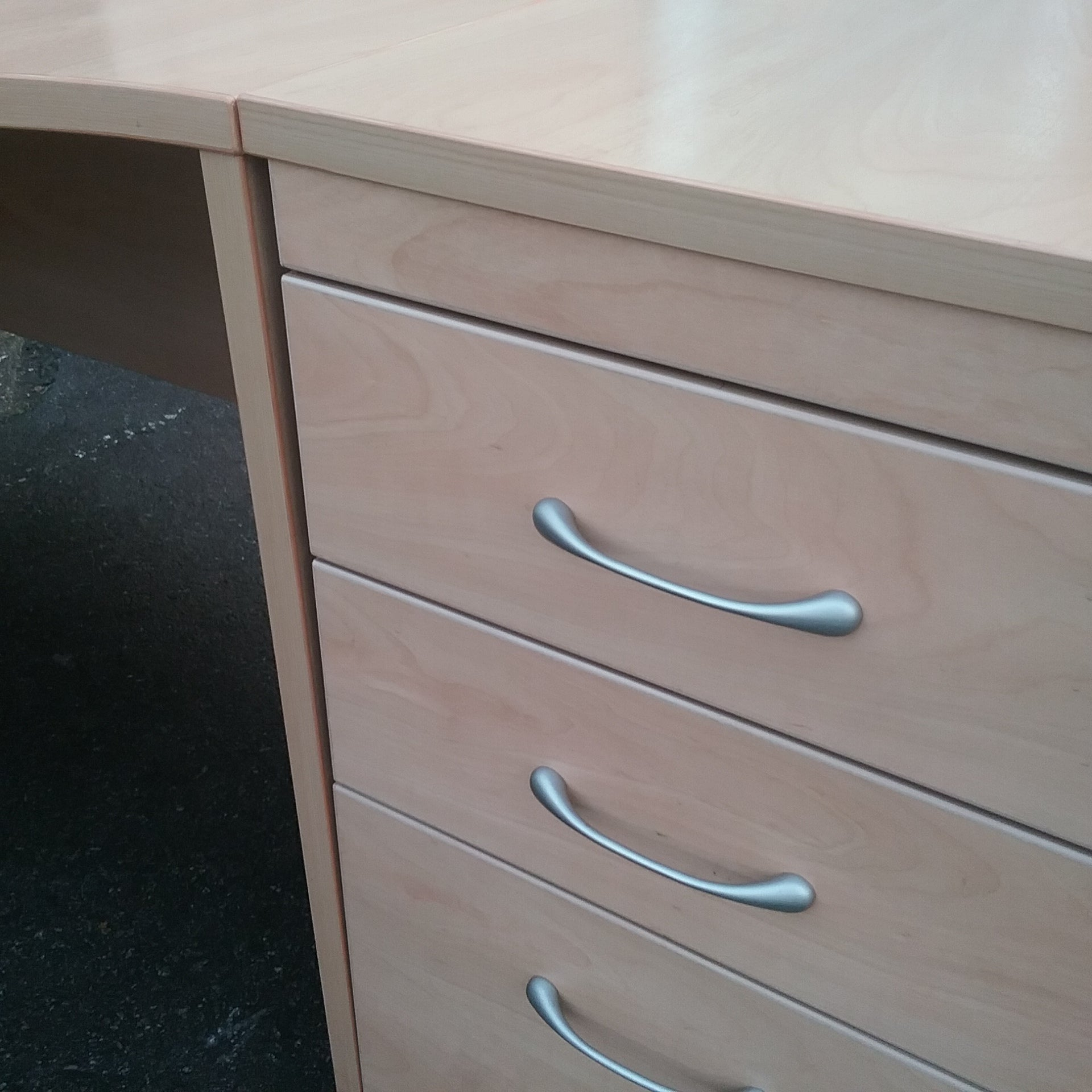 Large beech right hand turn desk with pedestal