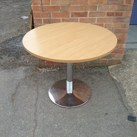 Oak circular table