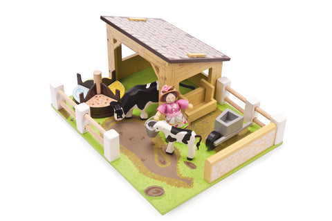 Yellow Cow Barn Farm Set