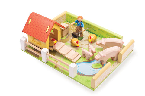 Farm Set - Wooden Pig & Hen