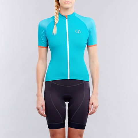 Women's cycling jersey on OMNIUM