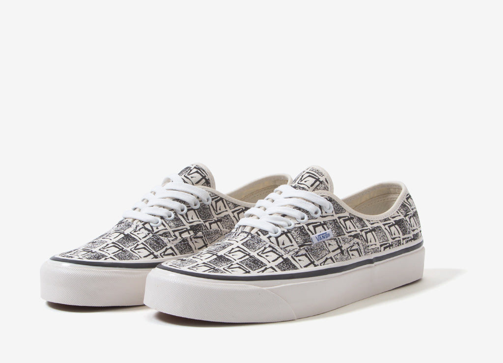 fafb0147fbba9f Vans Authentic 44 DX  Anaheim Factory  Shoes - OG White Square Root