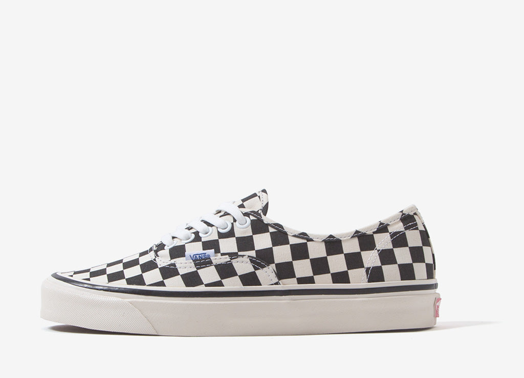 66aa0d9cf50f81 Vans Authentic 44 DX  Anaheim Factory  Shoes - Black Check