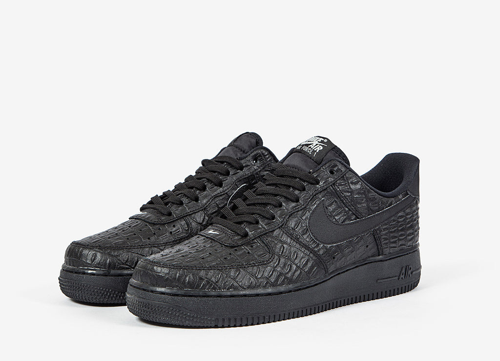 Nike Air Force 1 07 LV8 Shoes - Black/Black