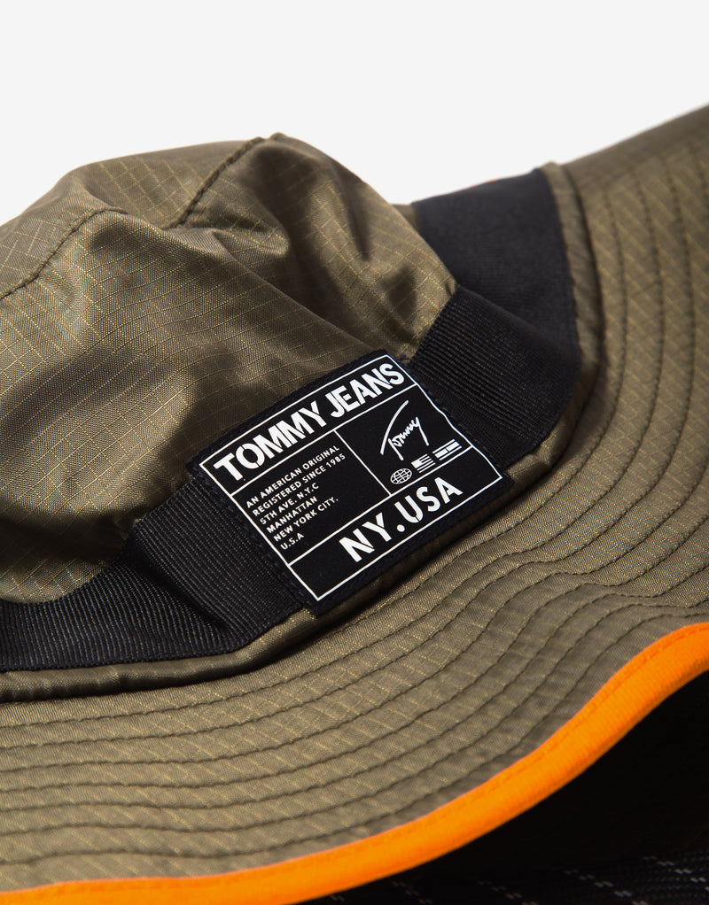 Tommy Jeans Urban Tech Bucket Hat - Martini Olive