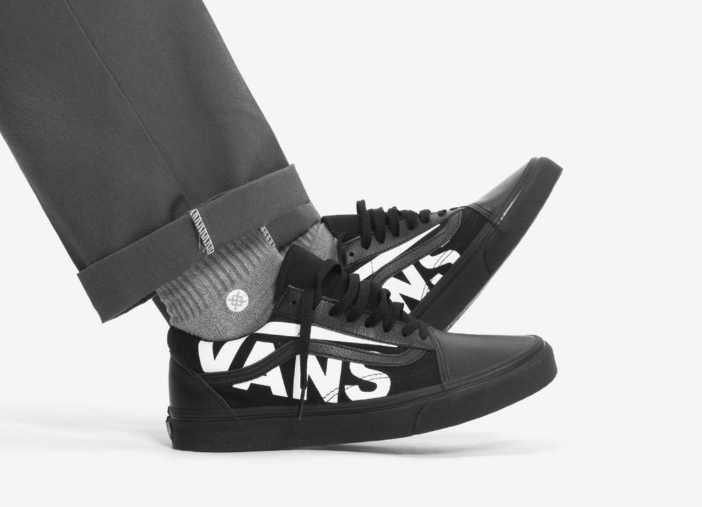 vans old skool oversized logo shoes black