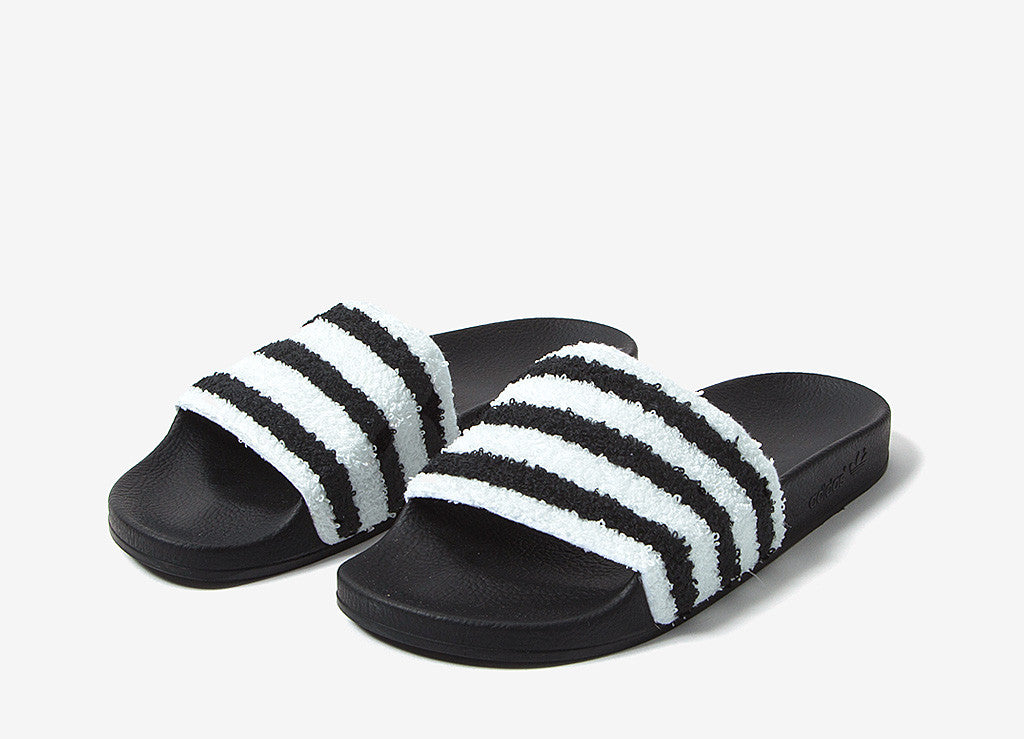 new style 0ccca d432b adidas Originals Adilette Slides - Core Black
