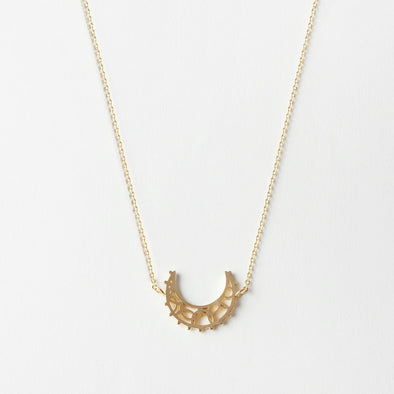 NECKLACE 'UNDER THE MOON'