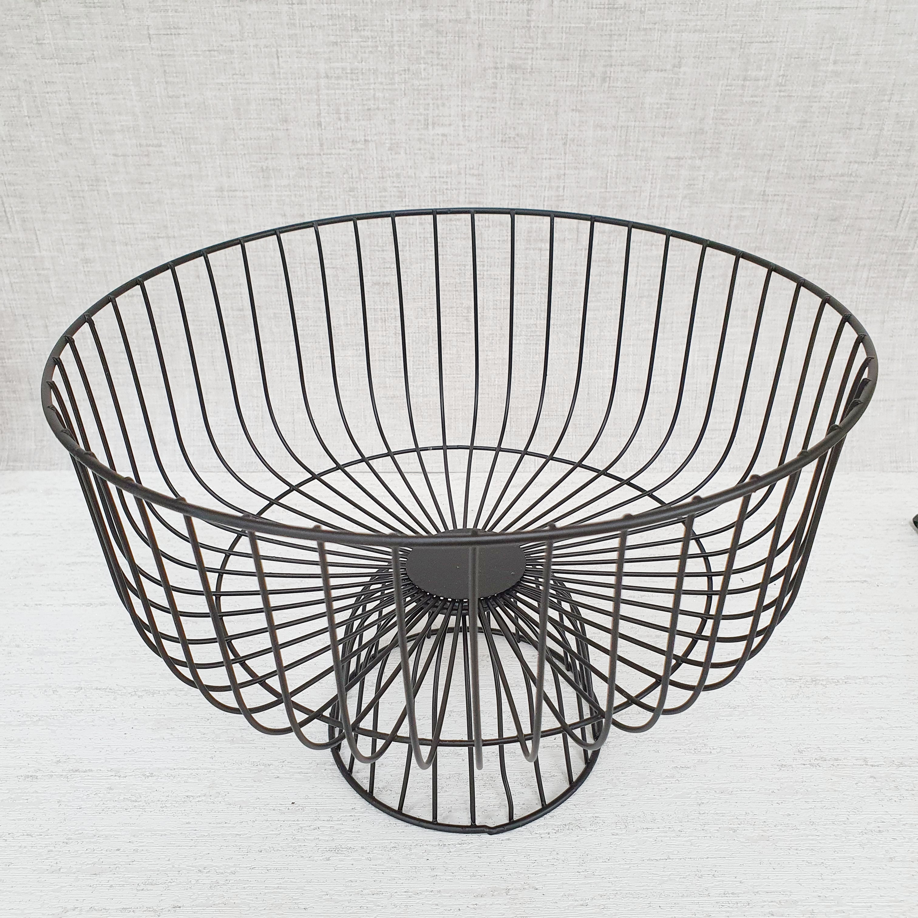 Summa Black Wire Fruit Bowl front
