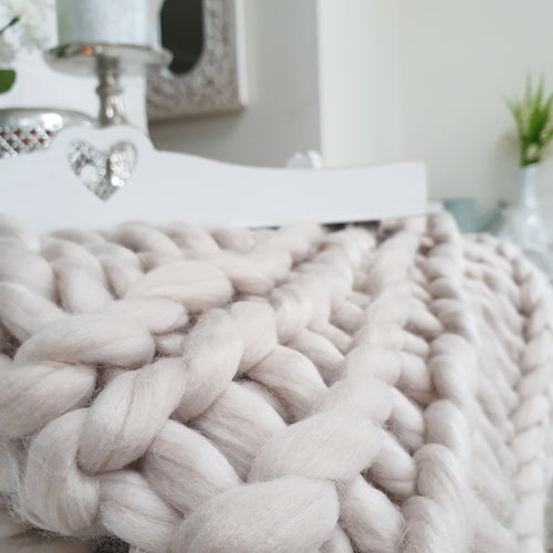 Calidi Chunky Knit Throw