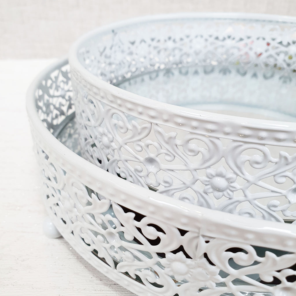White Style Round Mirror Display Trays Close Up