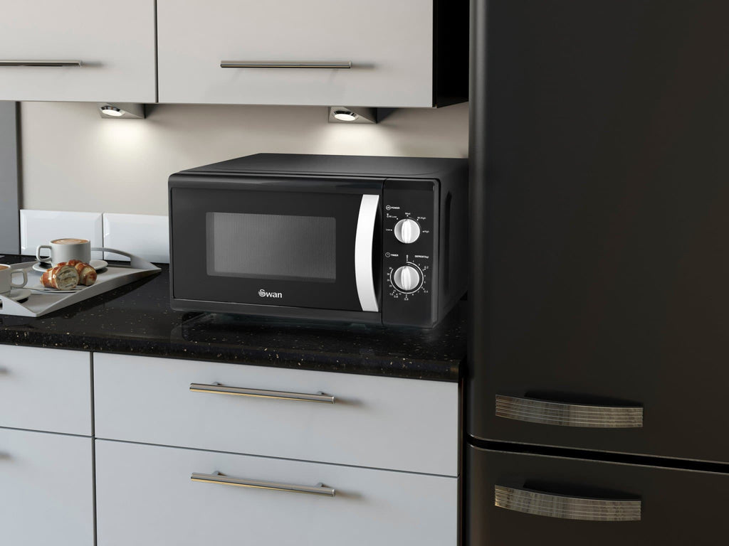 Swan 800W Solo Microwave