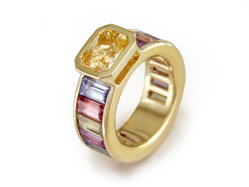 YELLOW SAPPHIRE RING WITH PASTEL SAPPHIRE BAGUETTES