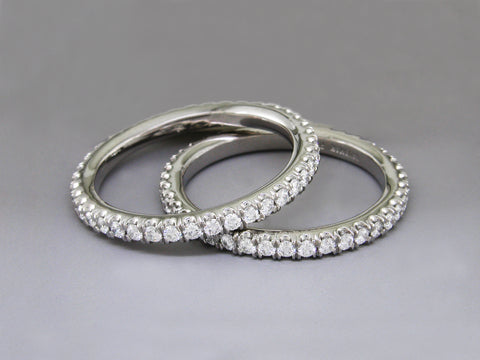 ROUND BRILLIANT DIAMOND & PLATINUM ETERNITY RING SET