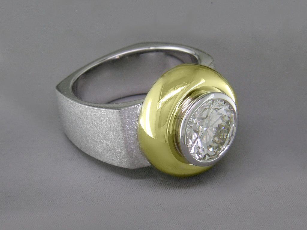 DIAMOND RING WITH SQUARE SHANK
