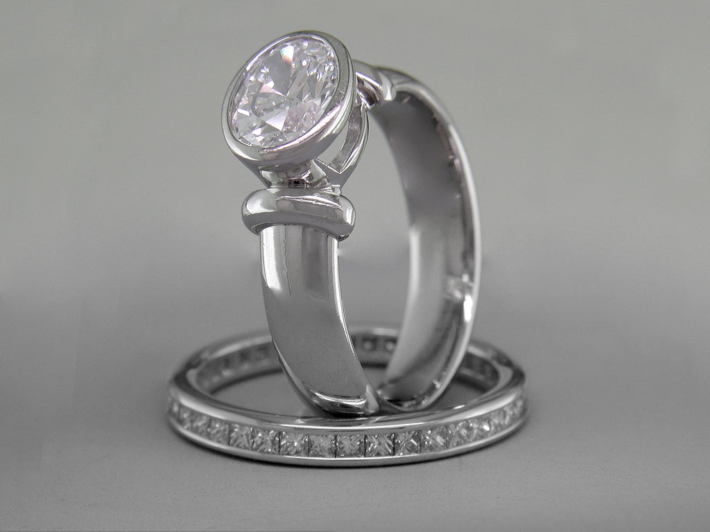 OVAL DIAMOND ENGAGMENT RING
