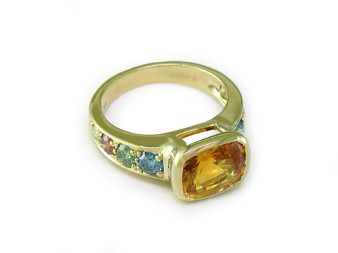 YELLOW SAPPHIRE RING WITH MULTICOLOR SAPPHIRE PAVE