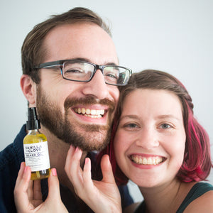 Load image into Gallery viewer, Vanilla + Clove Beard Oil