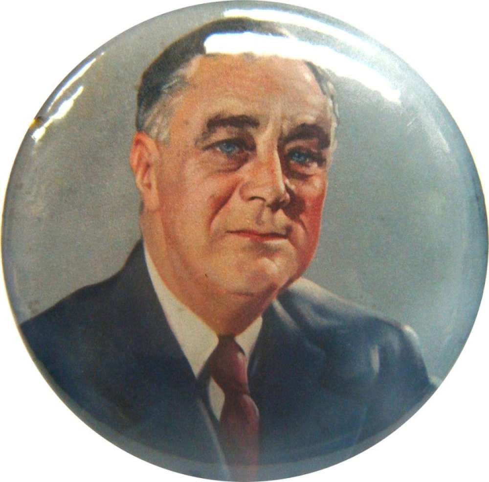 Franklin D. Roosevelt Color Portrait Pin. 1940