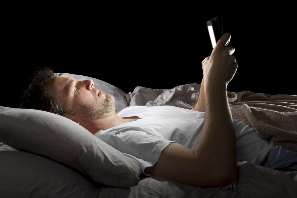Why Using Screens Before Bed is So Bad For You and What You Can Do to Stop