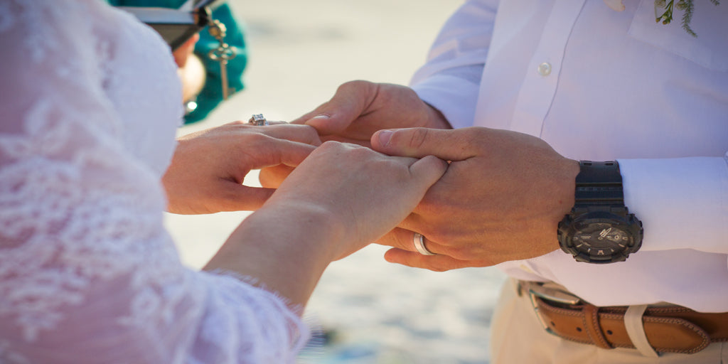 elopement wedding ceremony officiant celebrant justice of the peace minister destination wedding courthouse wedding beach wedding panama city beach elope