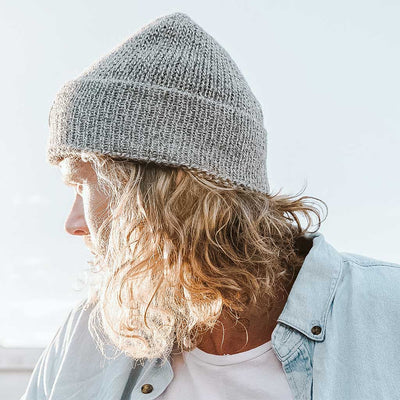 alpaca-fisherman-beanie-light-grey-on-model