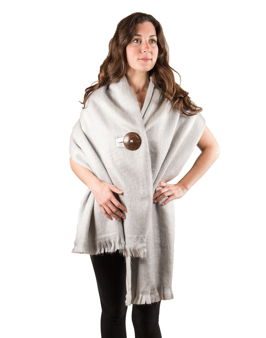 coco-button-wrap-grey-mood-on-model-pokoloko