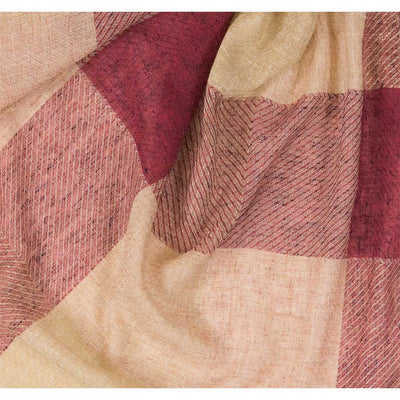 large-check-red-tan-scarf-close-up-pokoloko
