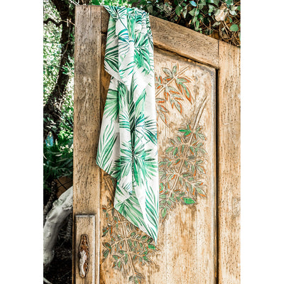 pokoloko-tropical-scarf-white-lifestyle