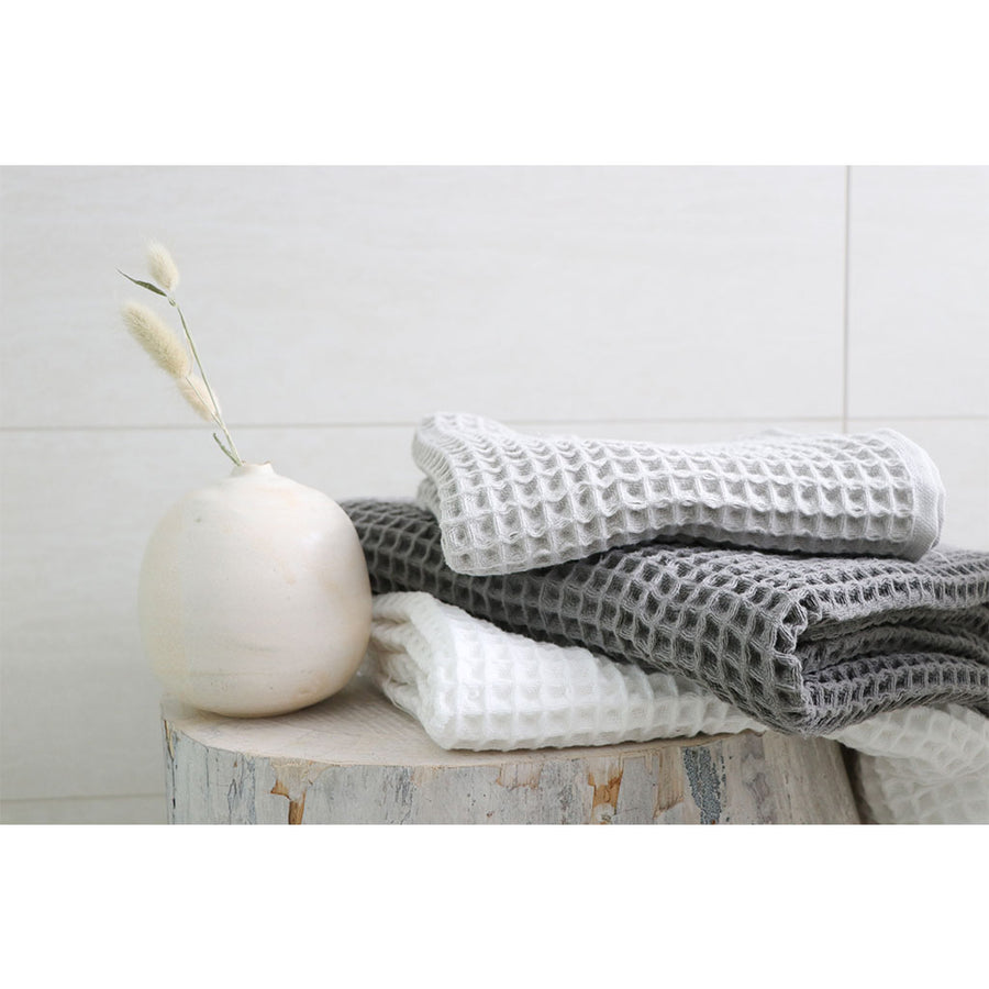 pokoloko-waffle-turkish-towel-dark-grey-color-folded-flat-with-corner-flipped