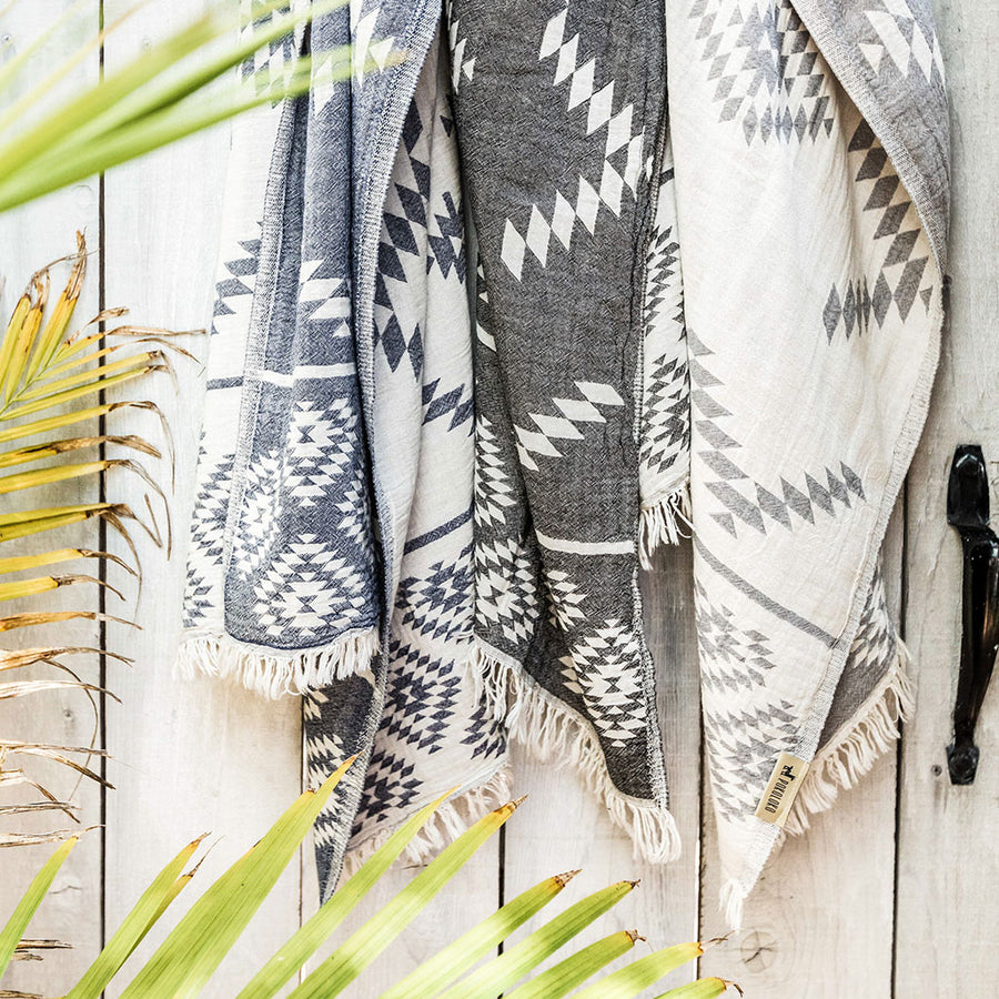 reversible-geometric-pokoloko-turkish-towel-black