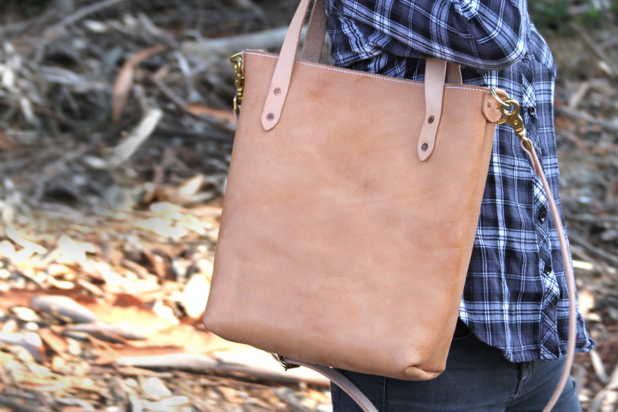 leather market tote bag