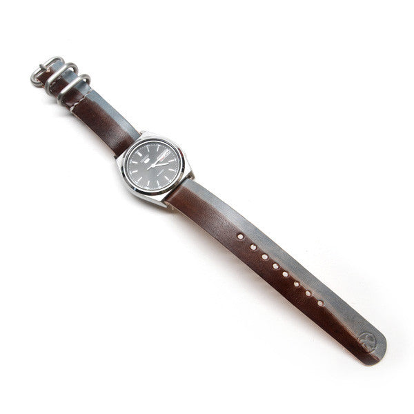 hand dyed nato leather watch strap with seiko automatic