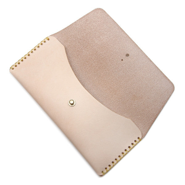 Natural veg tan long pouch open