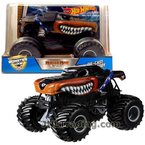 Hot Wheels Year 2017 Monster Jam 1:24 Scale Die Cast Metal Body Official Truck - MONSTER MUTT ROTTWEILER BGH22 with Monster Tires, Working Suspension and 4 Wheel Steering