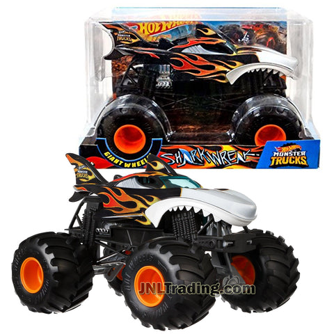Hot Wheels Year 2018 Monster Jam 1:24 Scale Die Cast Metal Body Official Truck - SHARK WREAK FYJ84 with Monster Tires, Working Suspension and 4 Wheel Steering