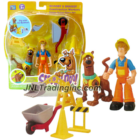 Thinkway Scooby-Doo! Series Deluxe 5 Inch Tall Action Figure - SCOOBY and SHAGGY as CONSTRUCTION WORKERS with Backhoe, Wheelbarrow, Pylon and Barrier