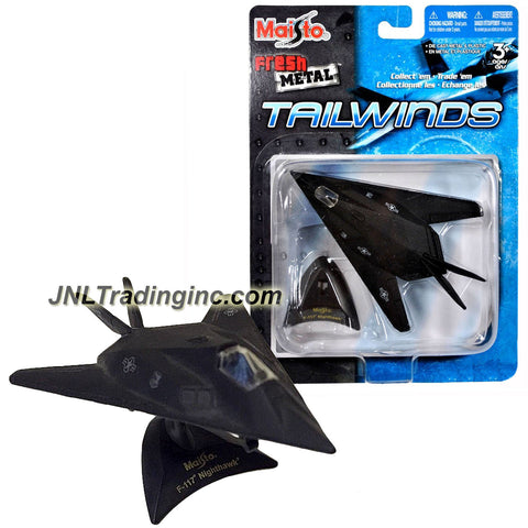 "Maisto Fresh Metal Tailwinds 1:150 Scale Die Cast Military Aircraft - U.S. Air Force Stealth Jet F-117 Nighthawk with Base (Dim:3-1/2"" x 5-1/4"" x 1"")"