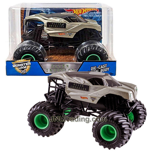 Hot Wheels Year 2017 Monster Jam 1:24 Scale Die Cast Metal Body Official Truck - ALIEN INVASION DWN88 with Monster Tires, Working Suspension and 4 Wheel Steering