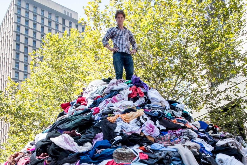 Is Australia's obsession with new clothes and 'fast fashion' textiles hurting the environment and ultimately us?
