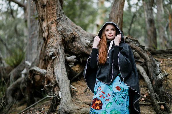 Hooded Organic Wool Cape - Carbon