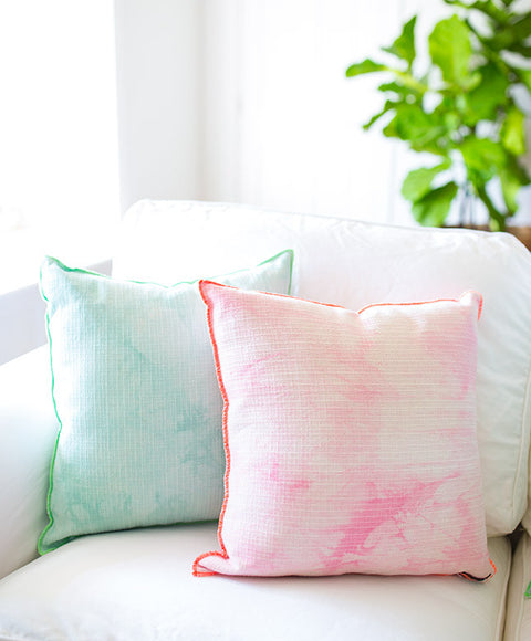 Watercolor Pillow - Dalla Vita