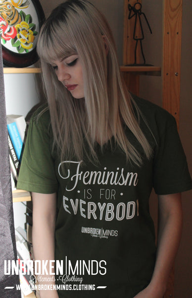 Feminism Is For Everybody - Unisexe V-Neck T-shirt