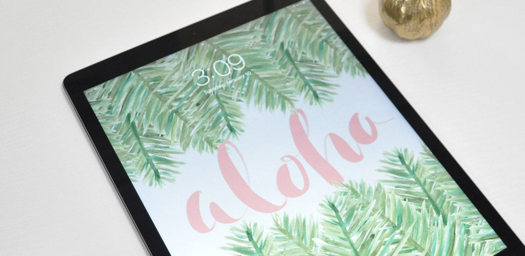 January Freebie: Aloha Wallpaper with Watercolor Palm Leafs