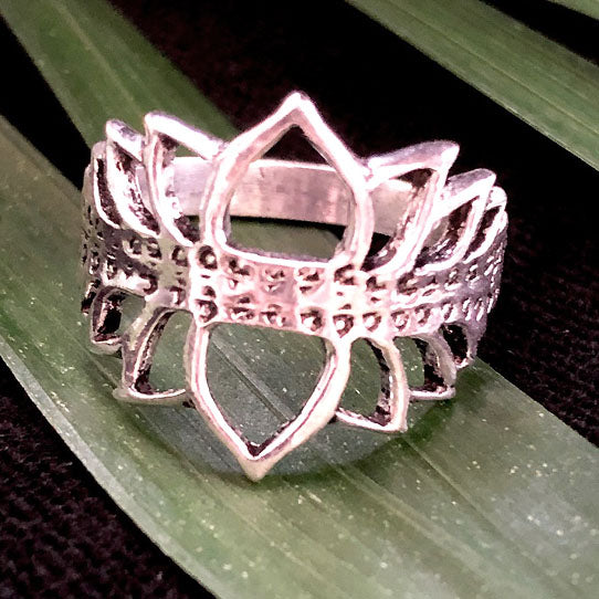 <span>RAS-056<span>: </span></span>Double Lotus Ring - Silver