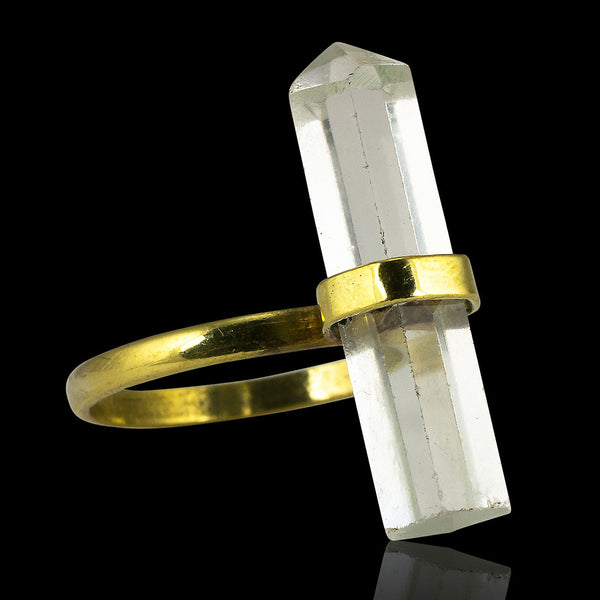<span>RBR-014<span>: </span></span>Quartz Crystal Ring - Brass