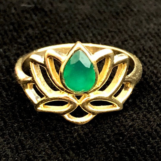 <span>RBR-048<span>: </span></span>Green Crystal Lotus Ring - Brass